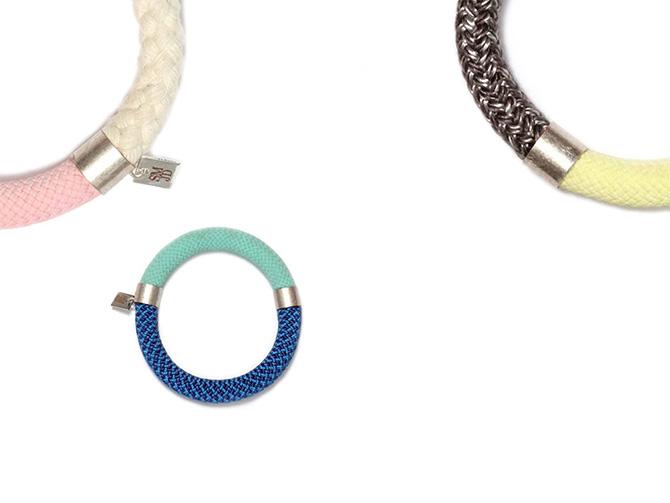 Kordel-Armreif von SMJD (Sarah Mesritz Jewellery Design) in bunten sommerlichen Farben