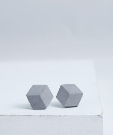 Graue Ohrringe von Pictofactum
