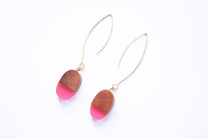 Kleine Harz-Ohrringe BoldB pink