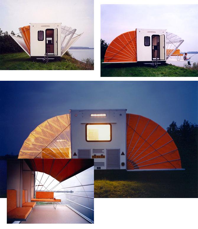 Wohnwagen mit auffaltbaren Zelten