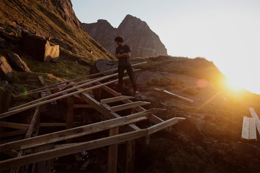 Bau der Hütte in Nordnorwegen